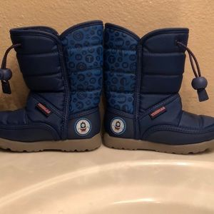 Thomas the train winter boots in blue size 8